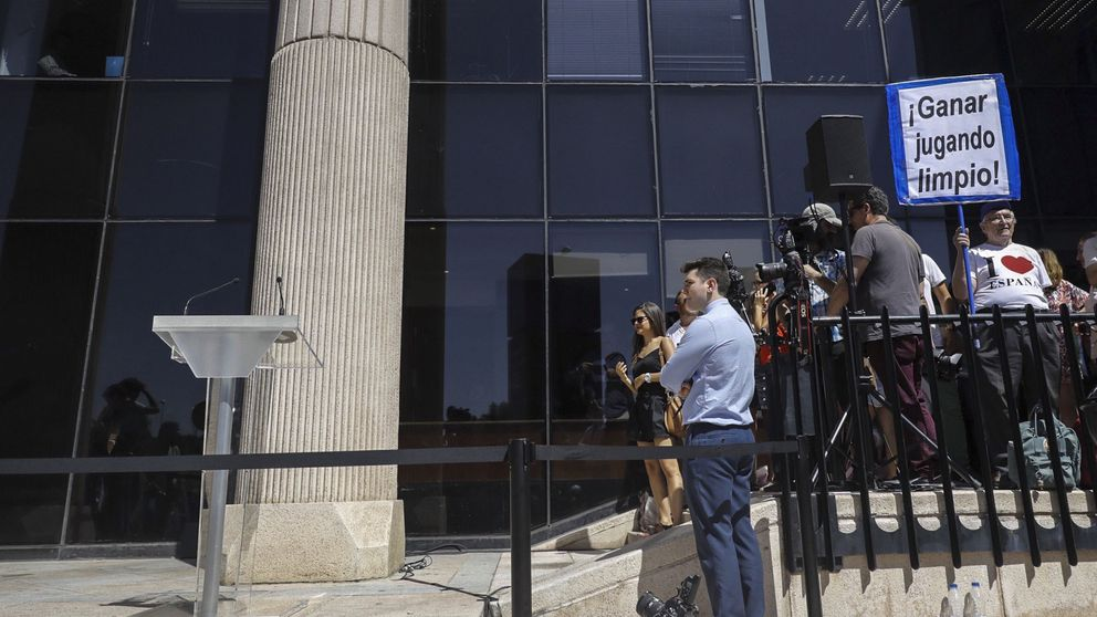 Cristiano se esconde: entra y sale por el garaje tras declarar hora y media ante la juez