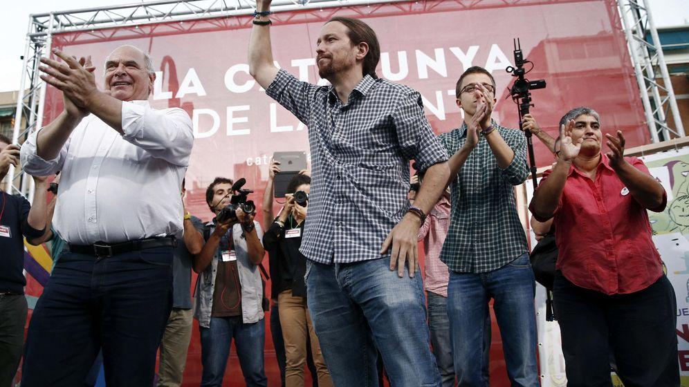 Foto: Pablo Iglesias y Lluís Rabell, candidato de Catalunya Sí que es Pot, durante un mitin electoral. (EFE)