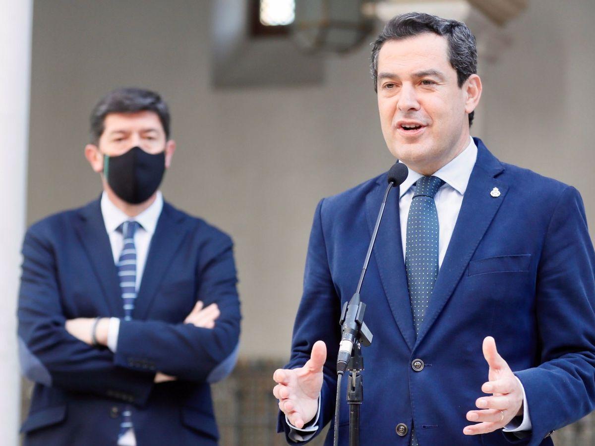 Foto: El presidente andaluz, Juanma Moreno, del PP, y el vicepresidente, Juan Marín (izq), de Ciudadanos. (EFE)