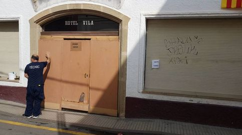 El dueño del hotel de Calella llora de impotencia al echar a la Policía