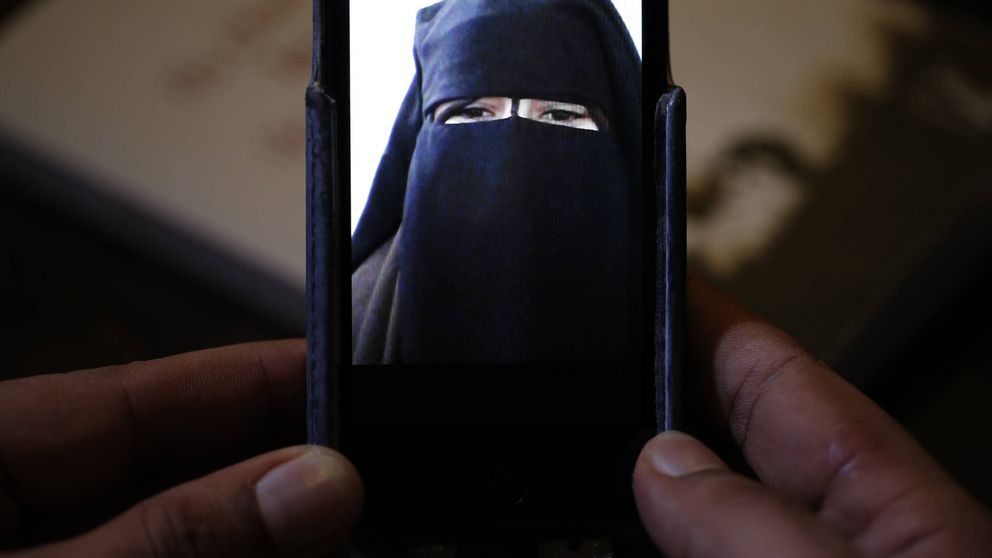 Devoción y porno: los secretos que contiene el ordenador de una mujer del ISIS