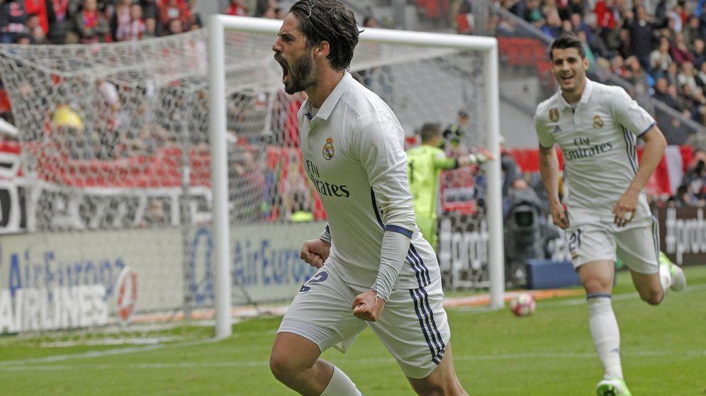 Foto: Isco está demostrando en el campo tener nivel para seguir en el Madrid. (EFE)