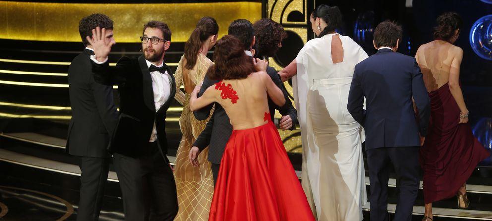 Foto: Un selfie entre actores tras dar por finalizada la gala de los Premios Goya (Gtres)