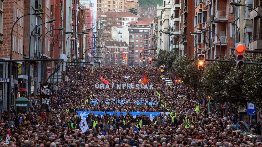 Foto: Vista general de la manifestación anual de apoyo a los presos de ETA. (EFE)