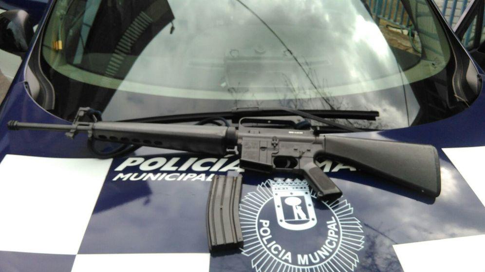 Foto: Imagen del fusil que portaba el hombre.