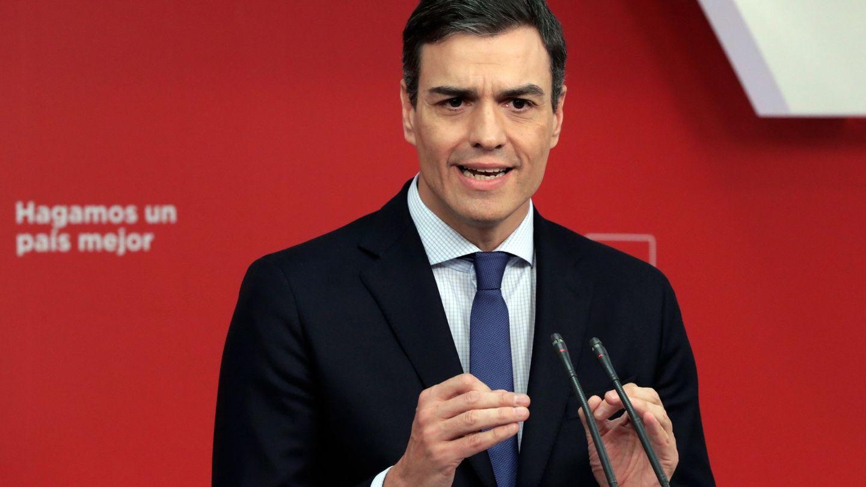 Pedro Sánchez durante el anuncio de la moción de censura contra Rajoy. (EFE)