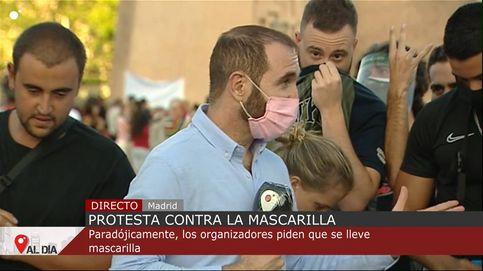 Agresiones y escupitajos a reporteros de TV en la manifestación antimascarillas