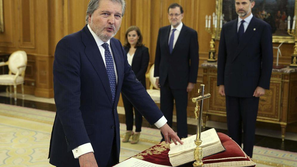 Foto: La última toma de posesión de un ministro del Gobierno, el de Educación, Íñigo Méndez de Vigo, el pasado 26 de junio en la Zarzuela. (EFE)