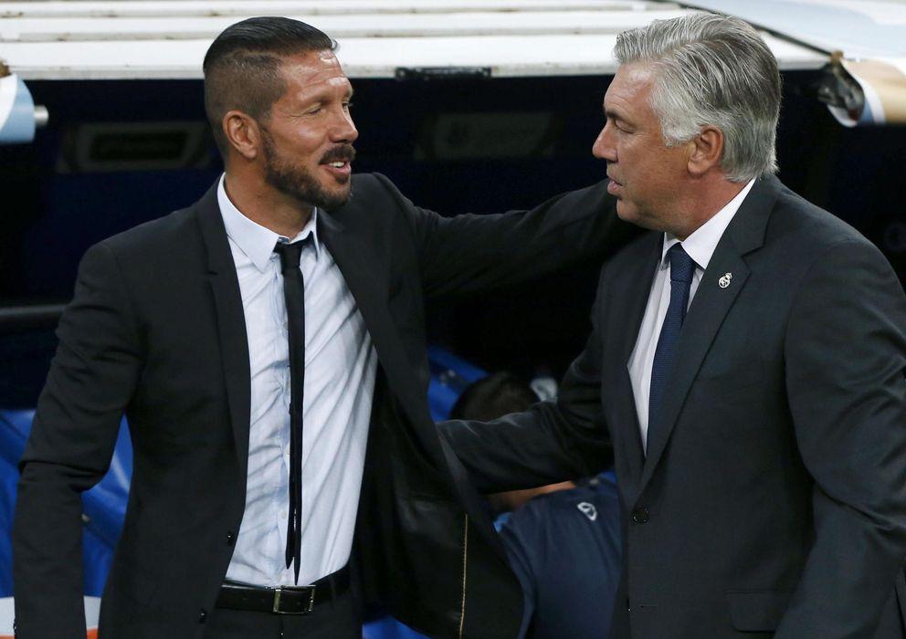 Foto: Simeone y Ancelotti se saludan (Efe)
