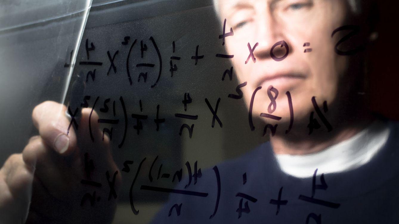 Foto: Aunque el futuro es de las asignaturas STEM, a muchos siguen sin gustarles las matemáticas. ¿Por qué? (iStock)