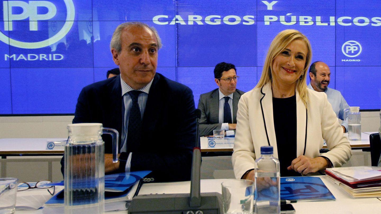 Cristina Cifuentes con el hoy secretario general del PP madrileño, Juan Carlos Vera. (EFE)