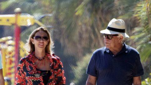 Felipe González y Mar García Vaquero, vacaciones en Marbella con los Trapote