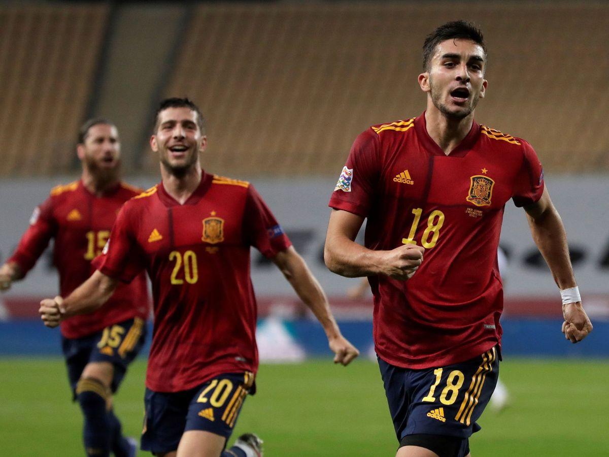 Foto: Los jugadores de España celebran uno de los goles frente a Alemania. (EFE)