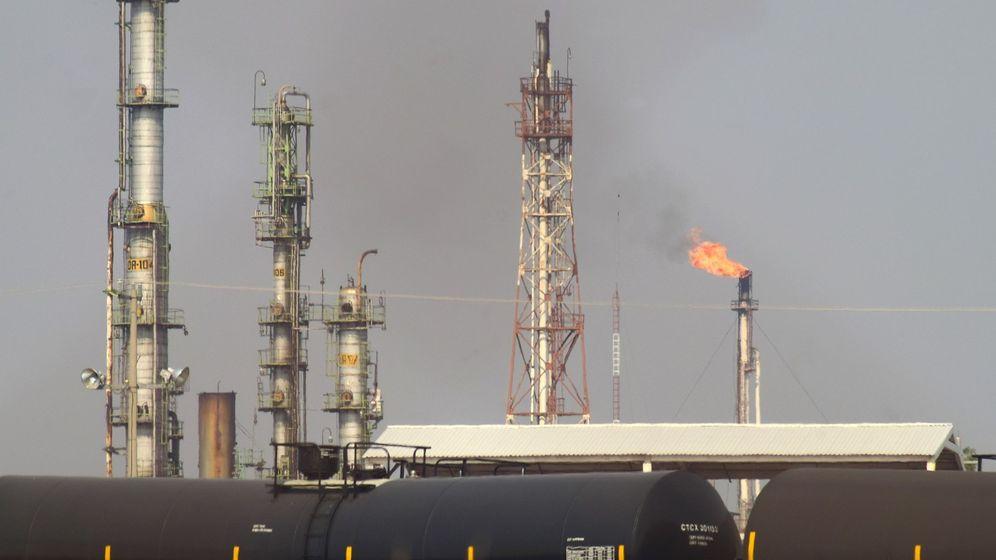 Foto: Refinería de petróleo. Foto: EFE Francisco Villeda