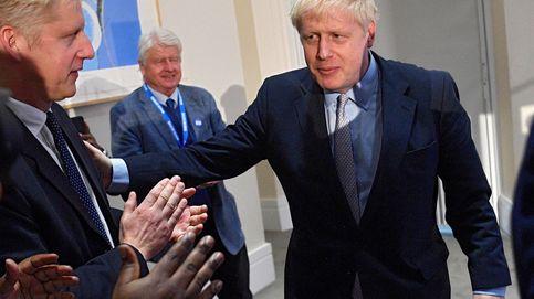 Dimite el hermano de Johnson dividido entre la lealtad familiar y el interés nacional