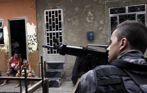 El narco lucha contra la pacificación en las favelas a meses del Mundial