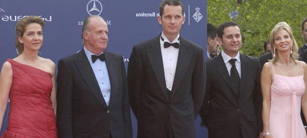 Foto: Corinna zu Sayn-Wittgenstein (d) con el rey Juan Carlos, la infanta Cristina e Iñaki Urdangarin (Archivo).