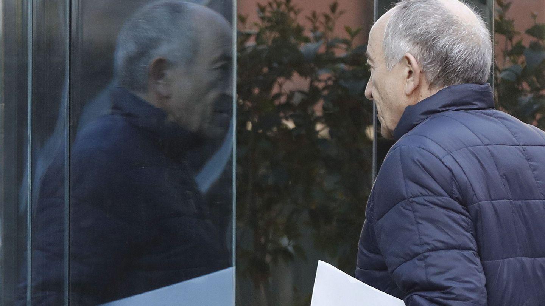 El exgobernador del BdE, Fernández Ordóñez, antes de su declaración como imputado en 2016