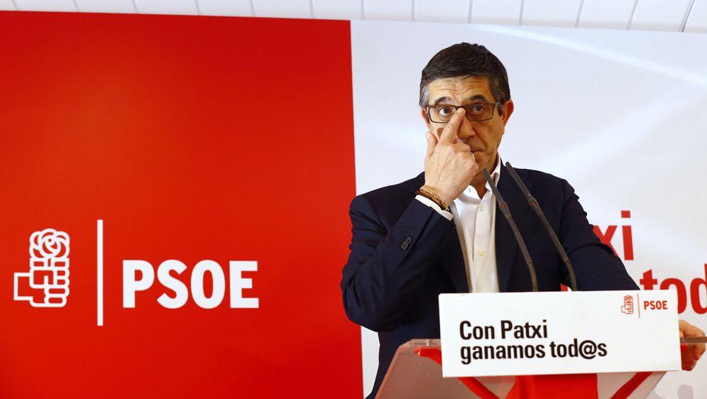 Foto: Patxi López, durante su comparecencia en rueda de prensa en el hotel Óscar de Madrid, este 5 de mayo. (EFE)
