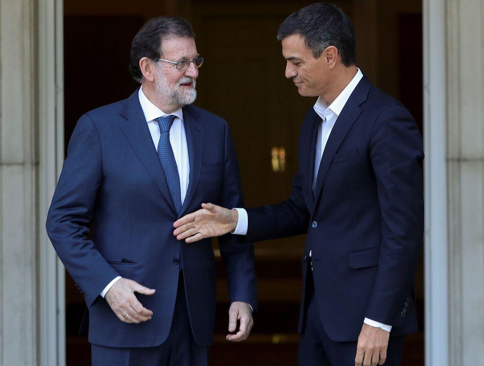 Foto: Mariano Rajoy y Pedro Sánchez, este lunes 2 de octubre en La Moncloa. (EFE)
