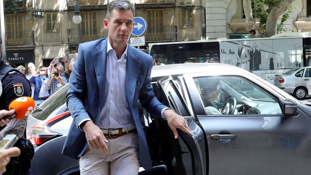 Foto: Iñaki Urdangarin a su llegada esta mañana a la Audiencia de Palma. (EFE)