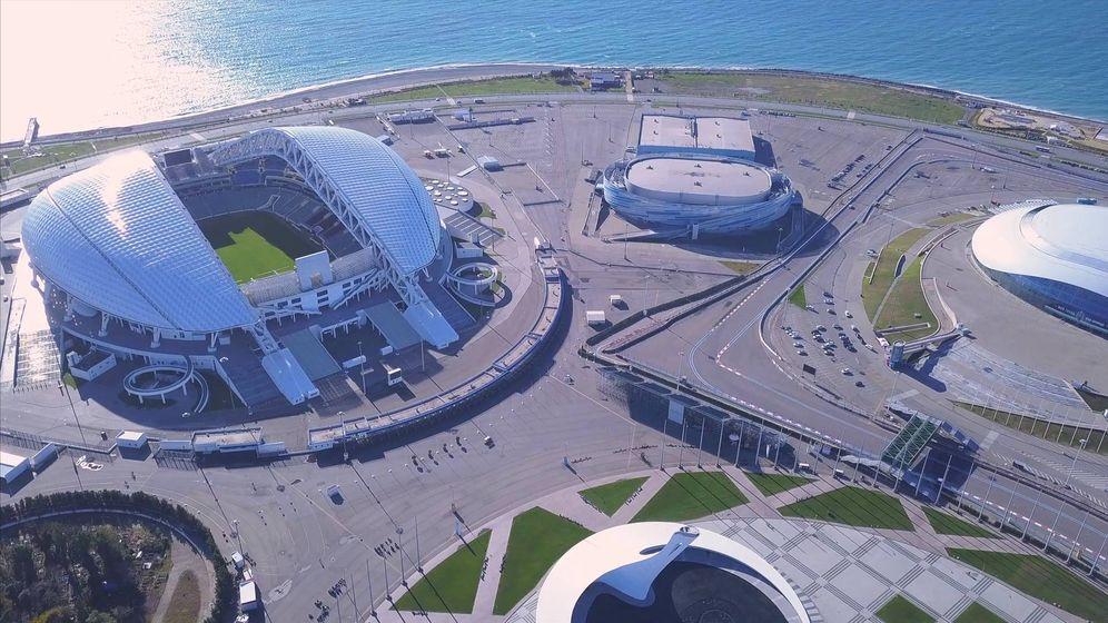 Foto: El parque olímpico de Sochi, con el estadio Fisht al fondo a la izquierda. (Reuters)