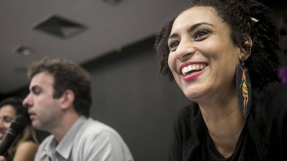 Foto: Marielle Franco, defensora de Derechos Humanos y concejala brasileña, ha sido asesinada a tiros | Foto: Mídia Ninja (Flickr)