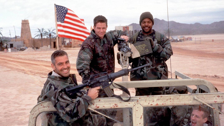 Clooney, en la película 'Tres reyes'. (Getty)