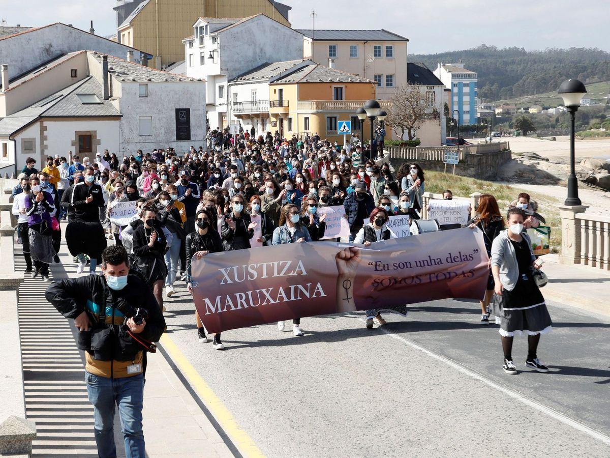 Foto: Protesta contra el archivo de la denuncia por la grabación y distribución en canales porno de imágenes de mujeres orinando. (EFE)