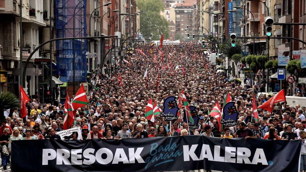 Foto: Manifestación a favor del acercamiento de los presos de ETA. (EFE)