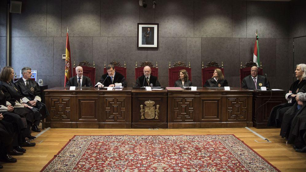 Foto: El Fiscal General del Estado, José Manuel Maza (c) en un acto en Bilbao. (EFE)
