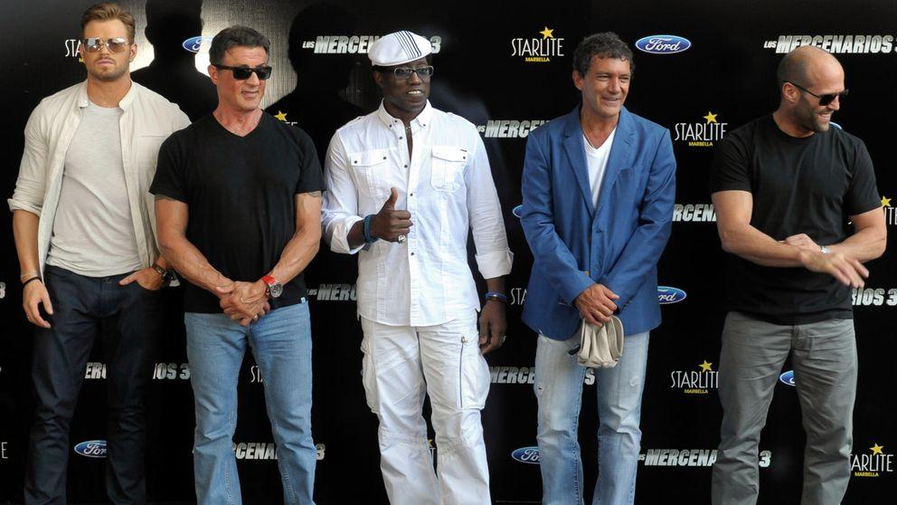 Sylvester Stallone llega a Málaga pilotando su propio avión