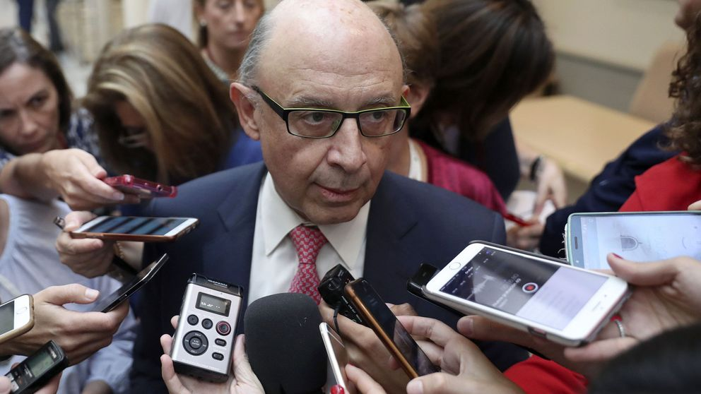 Hacienda descontará el sueldo del día a los funcionarios catalanes en huelga