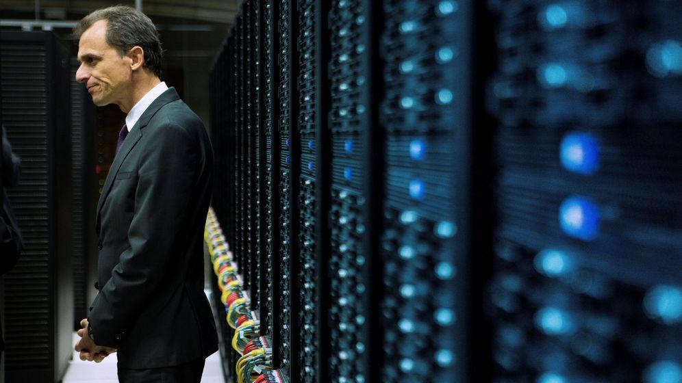 Foto: Pedro Duque el supercomputador MareNostrum, el ordenador más potente de España. Foto: EFE Enric Fontcuberta