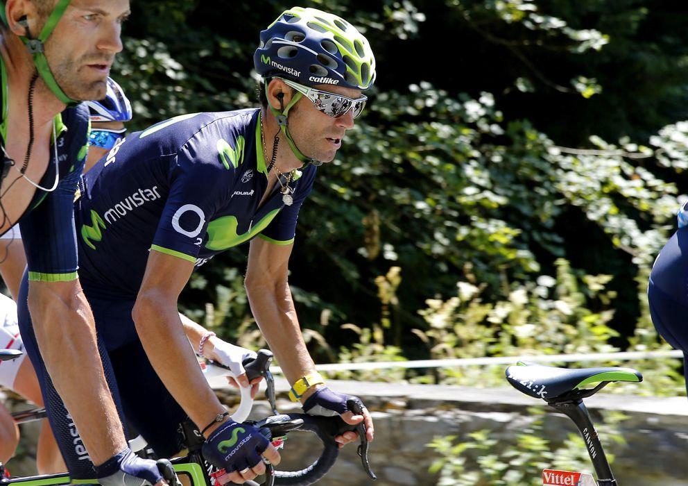 Foto: Alejandro Valverde, en acción durante una etapa del Tour (EFE)