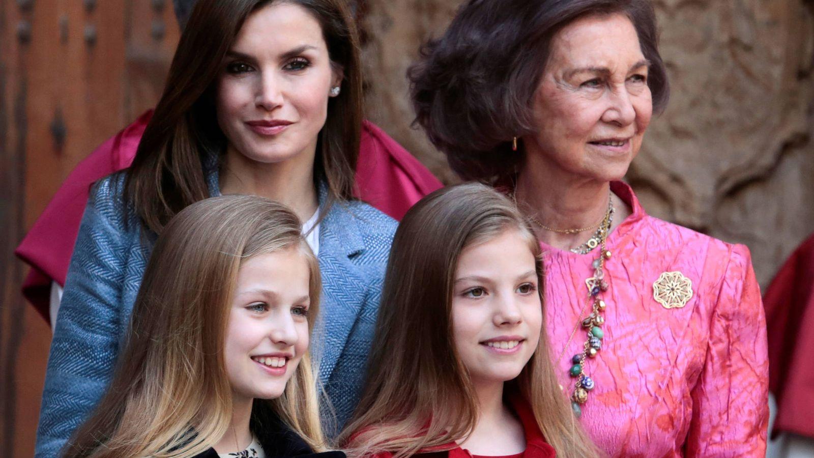 Foto: La reina Letizia, doña Sofía, la princesa Leonor y la infanta Sofía en la Misa de Pascua del año pasado.(REUTERS)