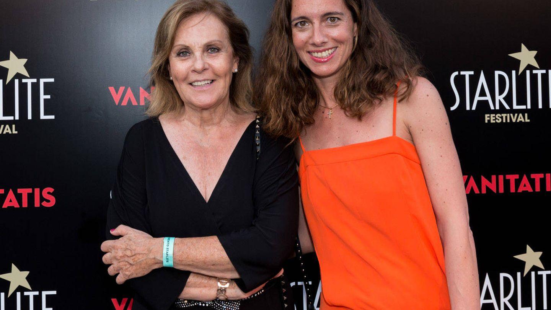 Paloma Barrientos, adjunta al director de Vanitatis, con María Antolín, directora de Publicidad de Vanitatis. (Foto: Helena Sánchez)