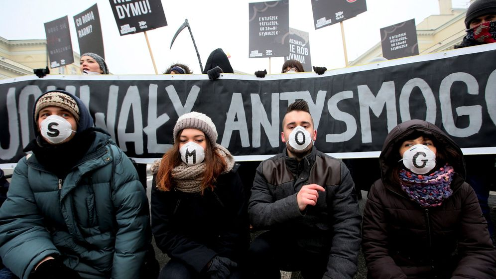 Foto: Protesta en Varsovia para exigir leyes contra la contaminación, el 24 de enero de 2017. (Reuters)