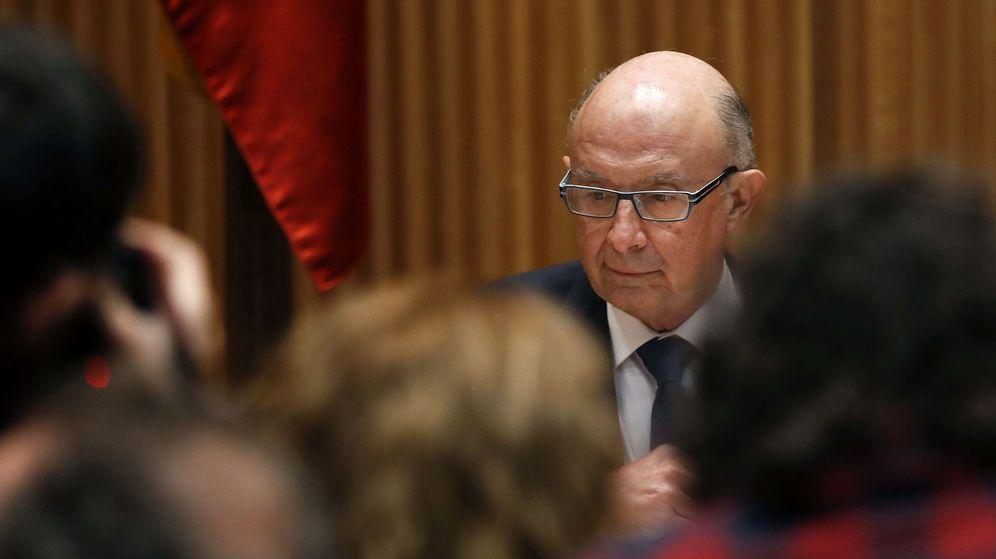 Foto: Montoro, cuando se entregó el proyecto de PGE en el Congreso. (EFE)