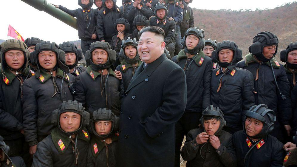 Foto: El presidente Kim Jong Un durante una competición de tanques del ejército norcoreano, el 1 de abril de 2017. (Reuters)