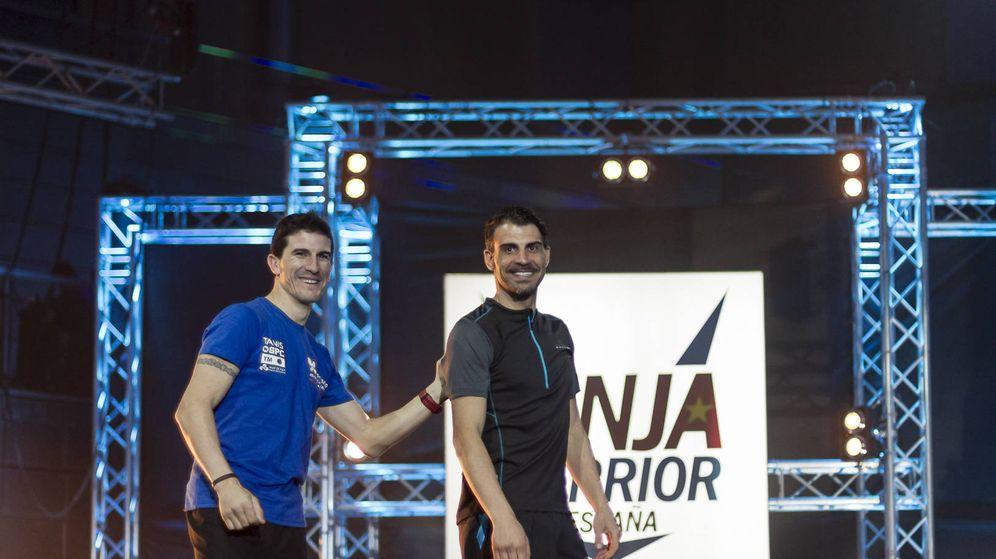 Foto: Carlos Coloma y Óscar Pereiro, en la nueva entrega de 'Ninja Warrior'.