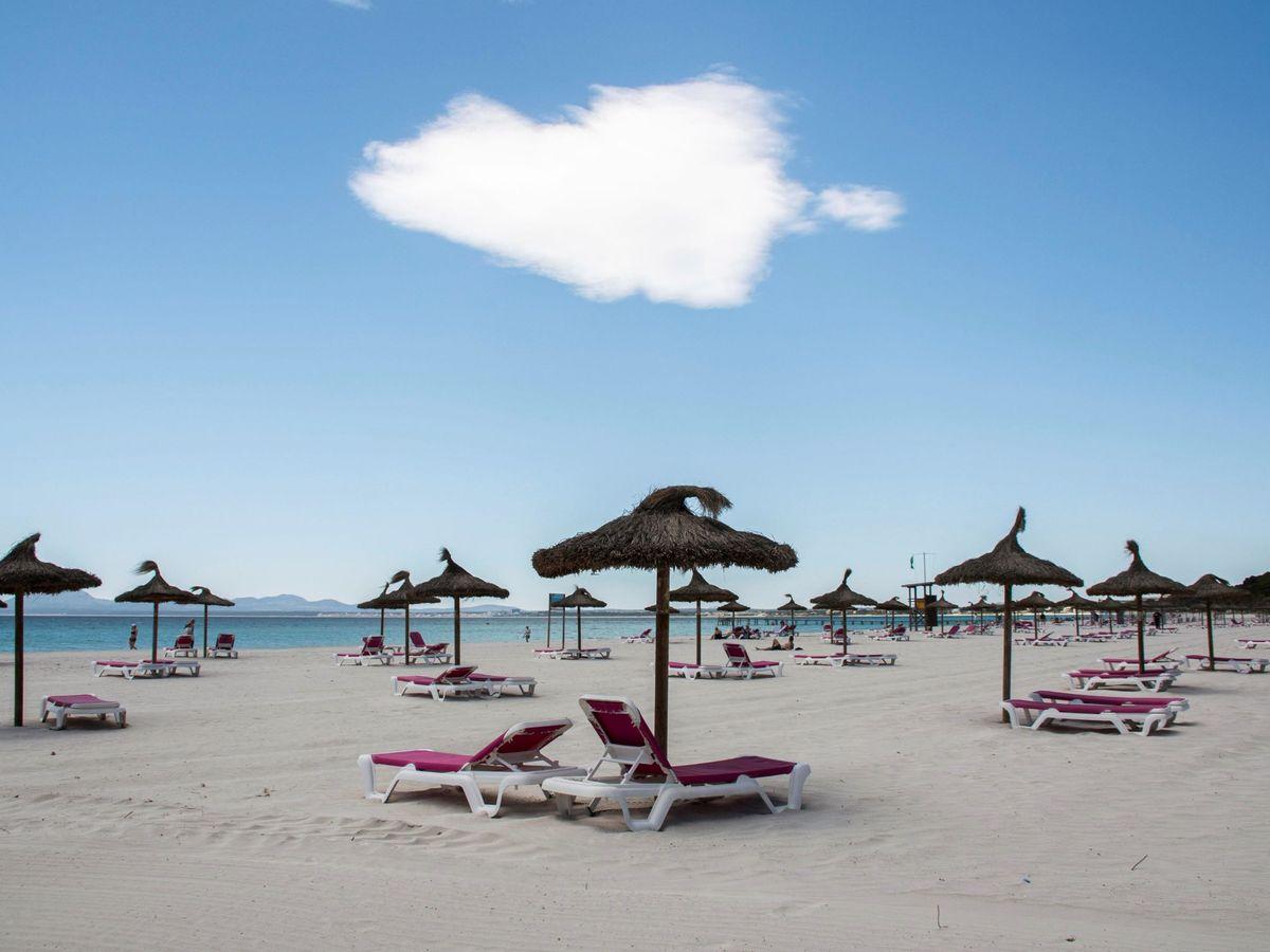 Foto: Vistas de una playa española. (EFE)