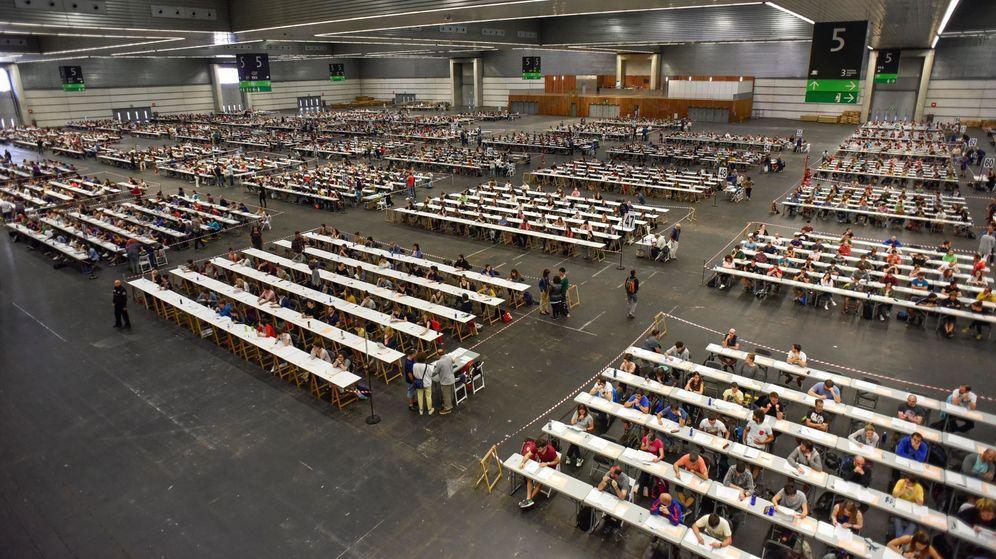 Foto: Examen de oposición al Gobierno vasco. EFE
