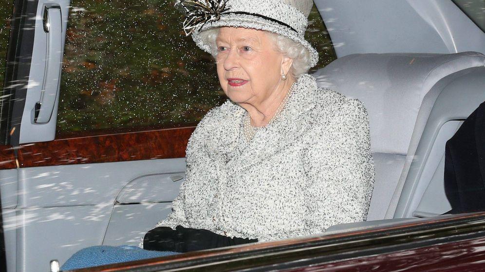 Foto: Isabel II, lista para un día de lluvia. (Cordon Press)