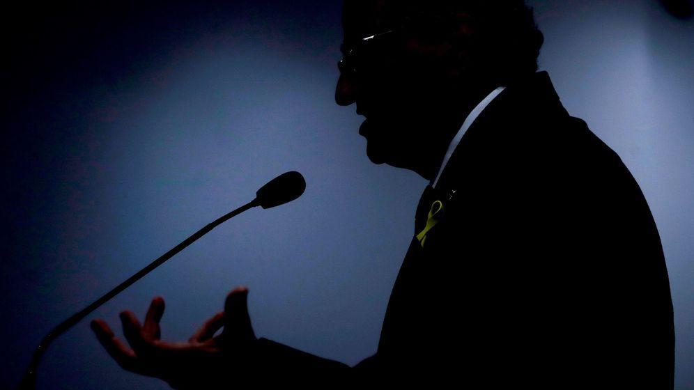 Foto: El presidente de la Generalitat de Cataluña, Quim Torra, durante su comparecencia ante los medios de comunicación en la librería Blanquerna. (EFE)