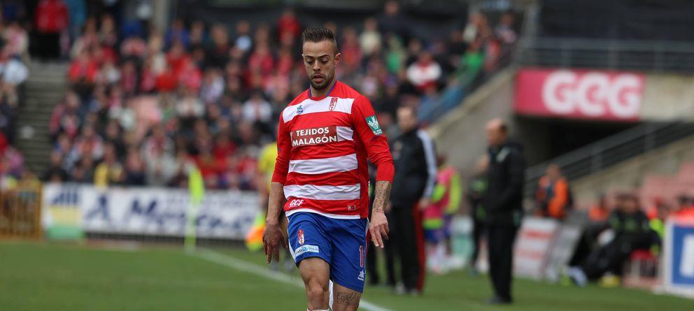 Foto: Dani Benítez, durante un partido con el Granada (cordonpress)