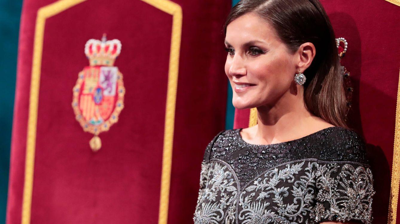 Los 6 vestidos más bonitos de la reina Letizia en los Premios Princesa de Asturias