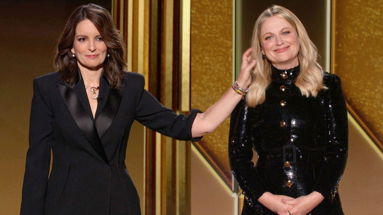 Tina Fey y Amy Poehler, durante la ceremonia. (Reuters)