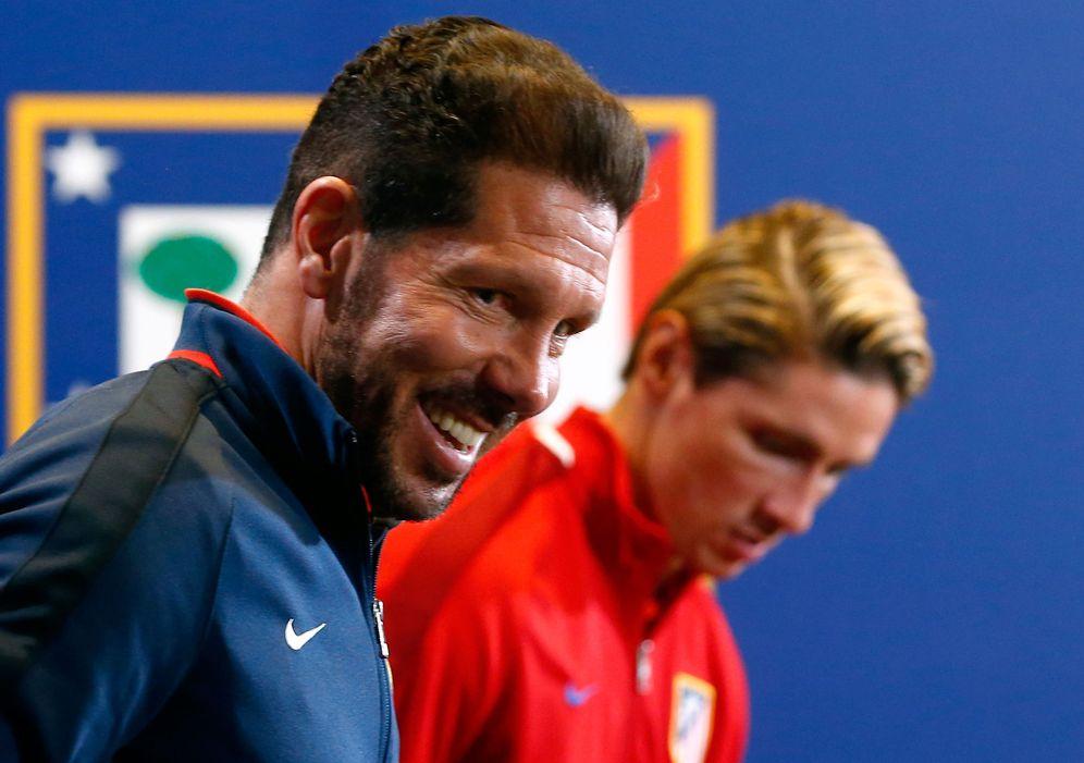 Foto: Simeone y Torres, antes de la rueda de prensa previa al Atlético-Bayern de Champions. (Reuters)