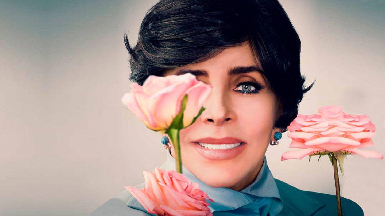 Verónica Castro, en una imagen promocional de 'La casa de las flores'. (Netflix)